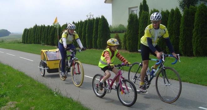familia-salir-bicicleta-660x350 (1)